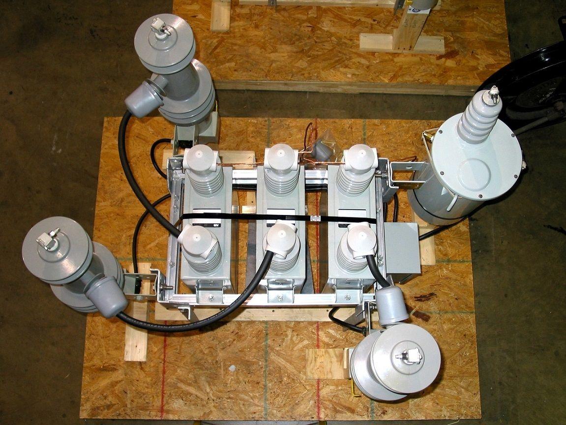 Medium Voltage Pole Mounted Capacitor Equipment - Controllix