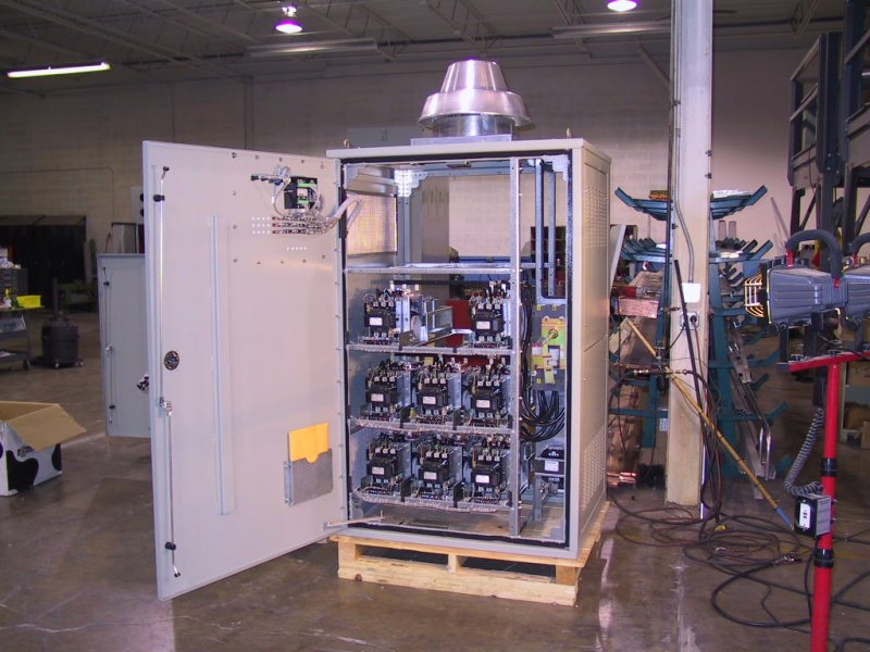 Low Voltage Capacitor Banks – Automatic